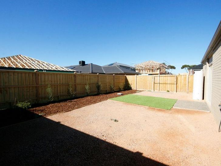 15 Sorrenberg Street, Point Cook 3030, VIC House Photo