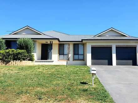 10 Quinlan Run, Orange 2800, NSW House Photo