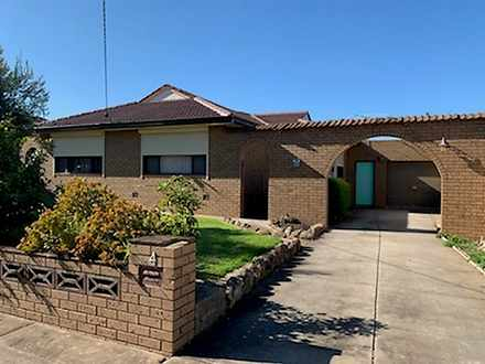 4 Highcombe Crescent, St Albans 3021, VIC House Photo