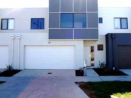 12 Grandstand Way, Wollert 3750, VIC Townhouse Photo