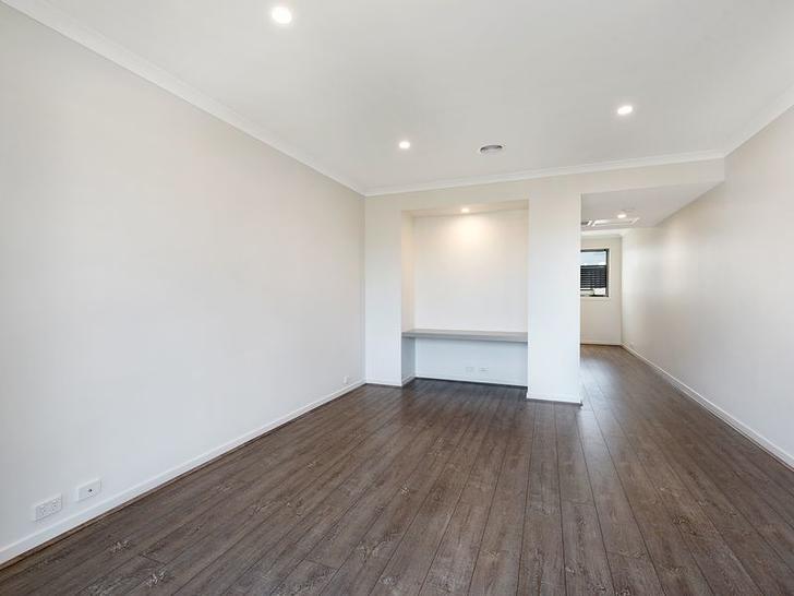 18 Danthonia Street, Coburg North 3058, VIC Townhouse Photo