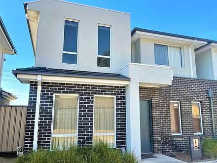 11 Kangaroo Paw Court, Taylors Lakes 3038, VIC House Photo