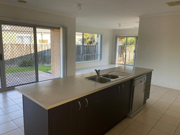 10 Holly Drive, Point Cook 3030, VIC House Photo