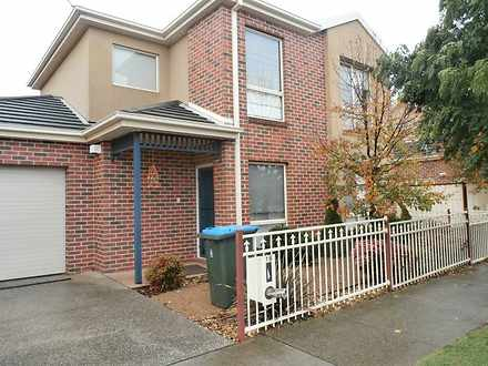 16 Greaves Street South, Werribee 3030, VIC Townhouse Photo