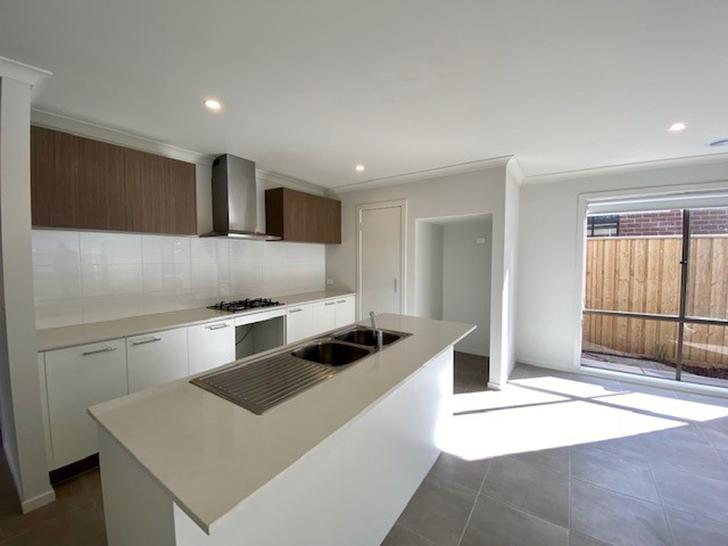 31 Stockport Crescent, Thornhill Park 3335, VIC House Photo