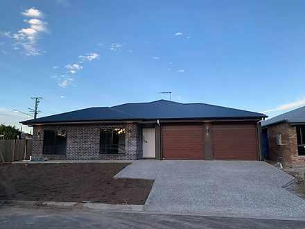 2B Farmer Place, Park Ridge 4125, QLD Duplex_semi Photo