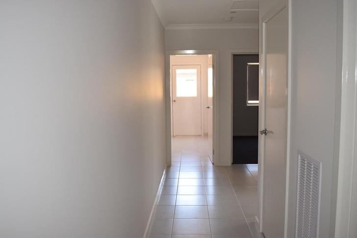 33 Splendour Circuit, Diggers Rest 3427, VIC House Photo