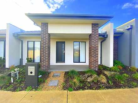 14 Lefroy Walk, Wollert 3750, VIC House Photo