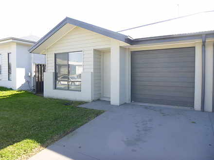 2/30 Thorncliffe Avenue, Thornton 2322, NSW Duplex_semi Photo