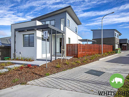 4 Saphira Street, Googong 2620, NSW House Photo