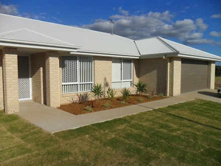 28 Scenic Drive, Emerald 4720, QLD House Photo