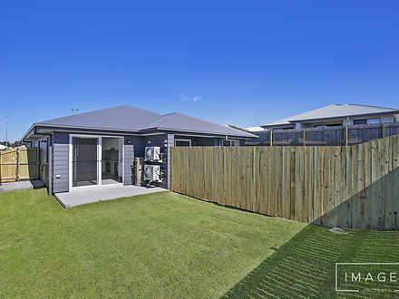 2/13 Mount Mitchell Street, Park Ridge 4125, QLD Duplex_semi Photo