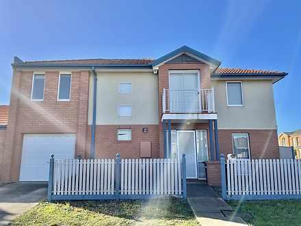 2 Hampson Place, Caroline Springs 3023, VIC Townhouse Photo