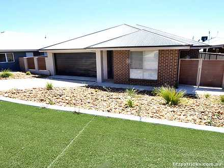 8 Tingwell Place, Lloyd 2650, NSW House Photo