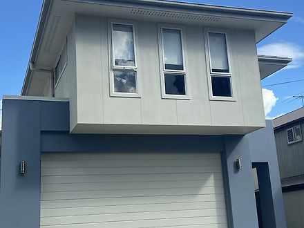 106 Hindes Street, Lota 4179, QLD House Photo