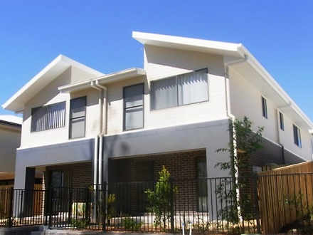 32 Wedgetail Road, Clinton 4680, QLD Townhouse Photo