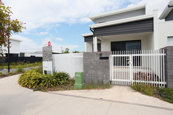 17 Flintwood Crescent, Palmview 4553, QLD Townhouse Photo