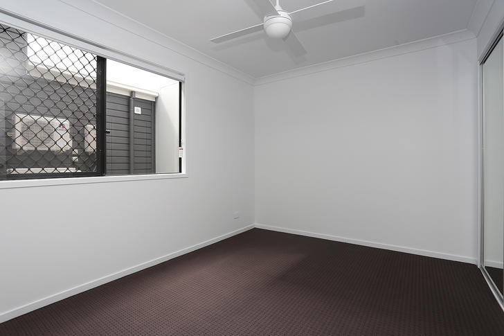 25 Flintwood Crescent, Palmview 4553, QLD Townhouse Photo