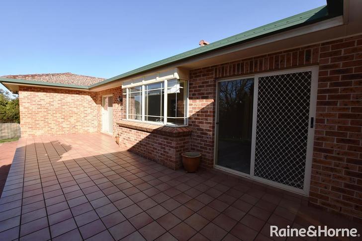 10 Burrebury Crescent, Orange 2800, NSW House Photo