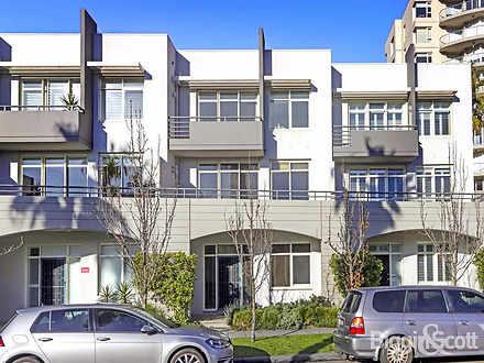 11/105 Beach Street, Port Melbourne 3207, VIC Townhouse Photo