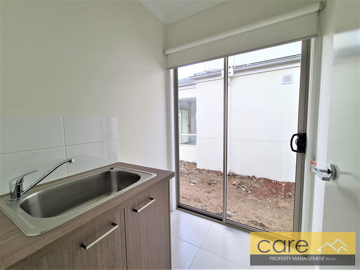 9 Favero Street, Clyde North 3978, VIC House Photo