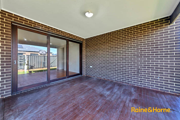 16 Lonarto Avenue, Clyde North 3978, VIC House Photo