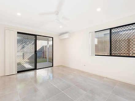 253A Whites Road, Lota 4179, QLD Duplex_semi Photo