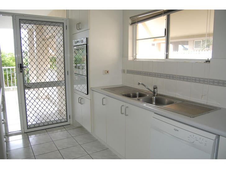 2/377 Stanley Street West, North Ward 4810, QLD Apartment Photo