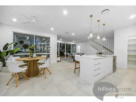 2/19 Killowill Avenue, Paradise Point 4216, QLD Duplex_semi Photo