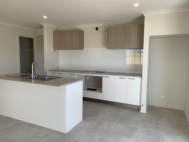 20 Midfield Way, Clyde 3978, VIC House Photo