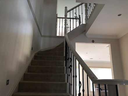 B1e1f3b01b157662f6d1cf96 staircase 6830 614143442172f 1631668972 thumbnail