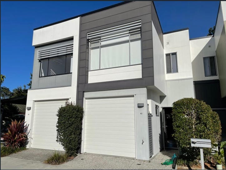 42/460 Pine Ridge Road, Coombabah 4216, QLD Townhouse Photo