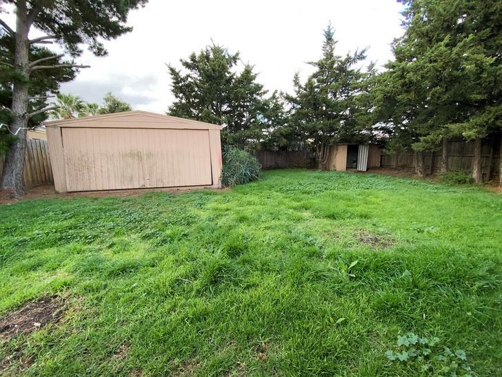 1 Whipbird Close, Werribee 3030, VIC House Photo