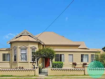 OVERSIZED ROOM 24 Elizabeth Street, Mayfield 2304, NSW House Photo