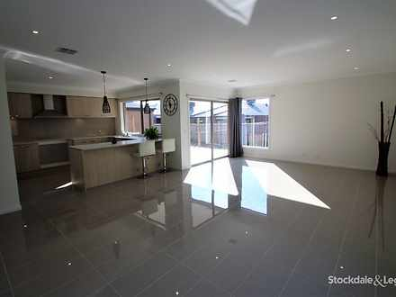25 Kalbian Drive, Clyde North 3978, VIC House Photo