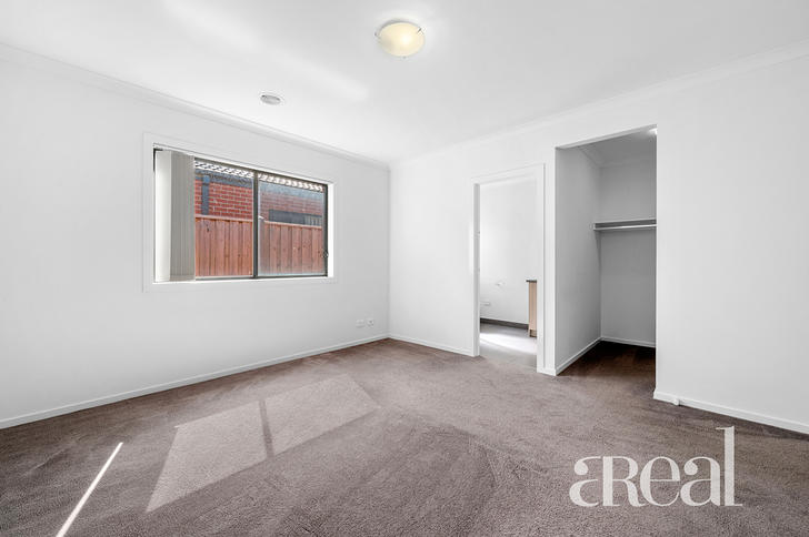 25 Casino Parade, Point Cook 3030, VIC House Photo