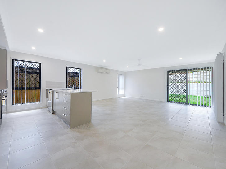 24 Heseltine Place, Pallara 4110, QLD House Photo