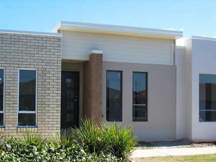 142 Carselgrove Avenue, Fitzgibbon 4018, QLD Duplex_semi Photo