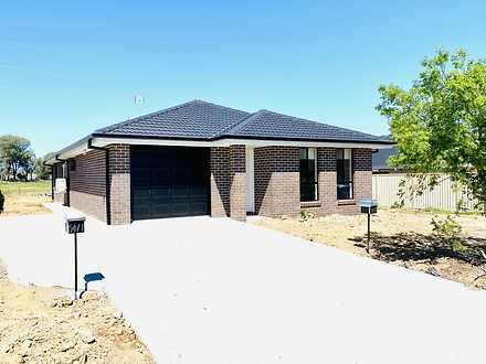 1/54 Kenny Drive, Tamworth 2340, NSW Duplex_semi Photo