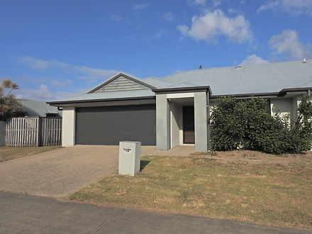 2/2 Whitehaven Drive, Blacks Beach 4740, QLD Duplex_semi Photo