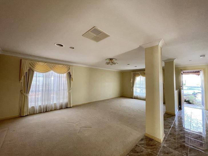 15 Warrego Place, Taylors Lakes 3038, VIC House Photo