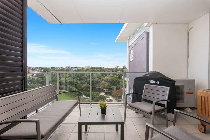 TOP FLOOR Parkland Boulevard, Brisbane City 4000, QLD Apartment Photo