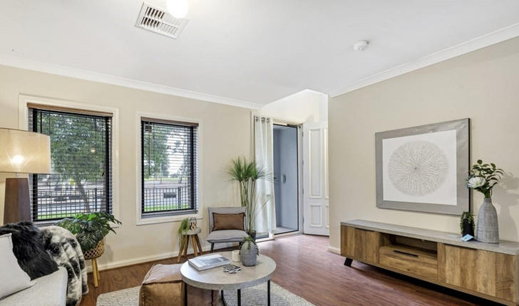 39 Fleming Crescent, Mansfield Park 5012, SA Townhouse Photo
