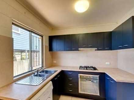 2/21 Balowrie Street, Hamilton 4007, QLD Unit Photo