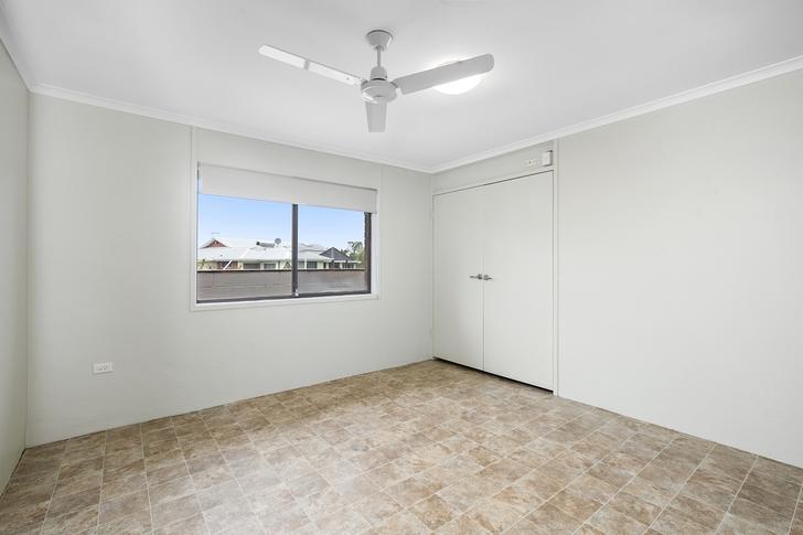 2/6 Brightlands Avenue, Mermaid Waters 4218, QLD House Photo