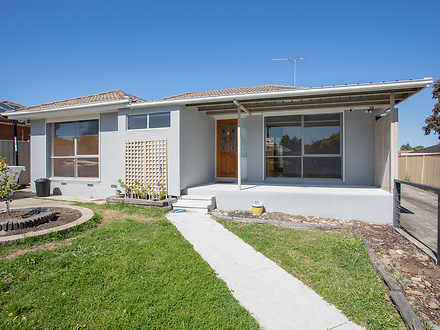 28 Ashleigh Crescent, Meadow Heights 3048, VIC House Photo
