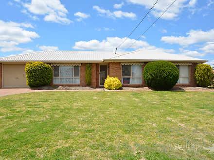 1 Burton Crescent, Stanthorpe 4380, QLD House Photo
