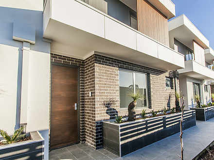 2/35 Ross Street, Doncaster East 3109, VIC Townhouse Photo
