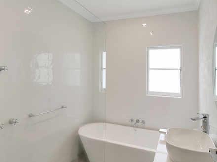 950b9c2b03a717a62a0351e8 main bathroom 0180 6170501630f12 1634750597 thumbnail