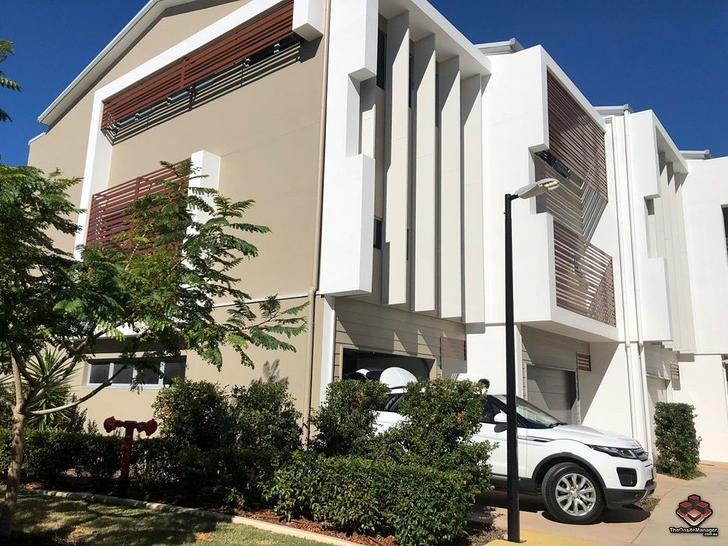 ID:21082600/3028 The Boulevard, Carrara 4211, QLD Townhouse Photo